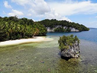 Urai Island, Wayag Blue Lagoon, Raja Ampat, West Papua for lease