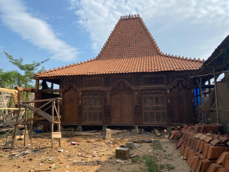 joglo; wooden house; real estate; property; property for sale; investment in Indonesia; buying property on Sumba; investment on Sumba; buy property on Sumba; Ratenggaro village; Sumba Island; land for sale; land for sale In Ratenggaro village; Sumba Island; Indonesia real estate; Indonesia property; Bali real estate; Bali property; Bali property for sale; buying property on Bali; investment on Bali; Bali villas for sale; Bali houses for sale; buy house in Bali; Lovina; Bali; villa for sale; nemovitosti na Bali; nemovitost na prodej ostrov Bali; koupě nemovitosti na Bali; investice na Bali; vily na prodej Bali; domy na prodej Bali; koupit dům na Bali; Lovina; Bali; vily na prodej Indonésie; prodej pozemků; pozemky na prodej; prodej pozemků Indonésie; nemovitosti; nemovitost na prodej; koupě nemovitosti na Sumbě; investice na Sumbě; koupě nemovitostí na Sumbě; investice; ostrov Sumba; Sumba; land; pozemek; pozemky; development project; Seraya Timur; developerský projekt; Karangasem; Amed; Vienna Beach;